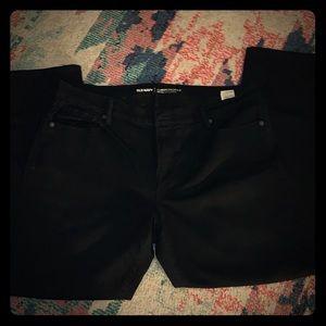 Old Navy | Curvy Profile Straight Leg Jeans